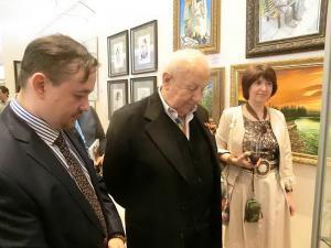 Нродный художник СССР Президент РАХ З.Церетели, Председатель ТСПХ И.Игнатков, художник А.Павлова